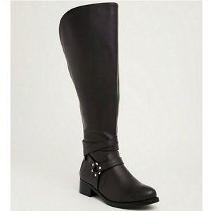Torrid- WIDE- knee high harness boots